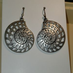 Vtg Liz Claiborne Conche silver earrings